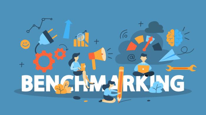¿Qué debe tener en cuenta en el análisis de la competencia o del benchmark?