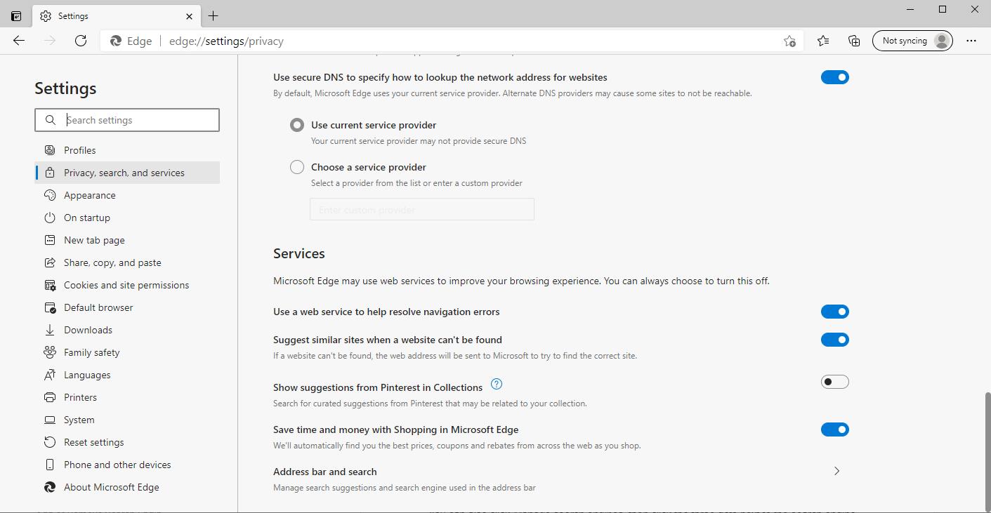 Utilice los menús de búsqueda estándar y la barra de direcciones de Edge.